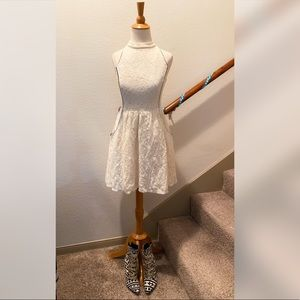 Dresses & Skirts - Off White Lace Dress